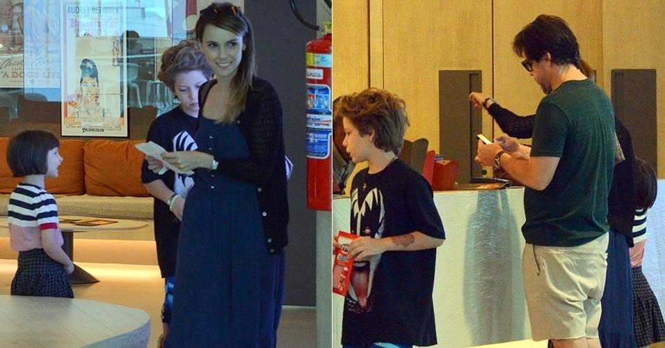 15.nov.2014 -  Débora Falabella e Murilo Benício aproveitaram o sábado para levar os filhos ao cinema, no shopping VillageMall, na Barra da Tijuca, no Rio