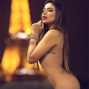 E Affair De Neymar Patricia Jordane Faz Ensaio Sensual Em Paris