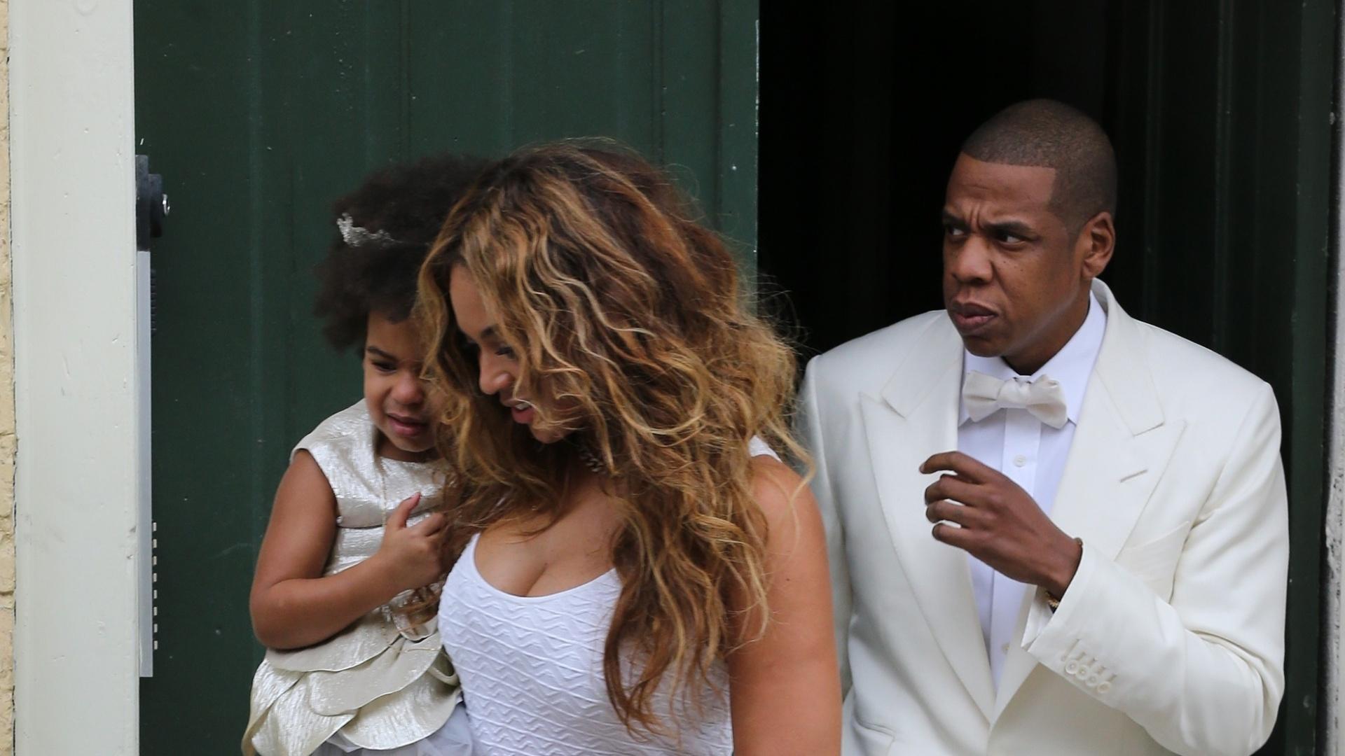 16.nov.2014 - Beyoncé prestigia o casamento da irmã Solange acompanhada do marido, Jay-Z, e da filha, Blue Ivy. A cerimônia aconteceu em Nova Orleans