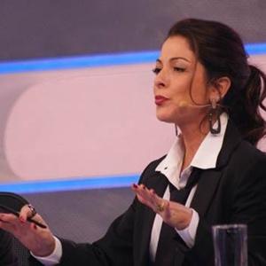 """17.nov.2014- Ana Paula Padrão comanda o """"CQC"""" nesta segunda-feira"""