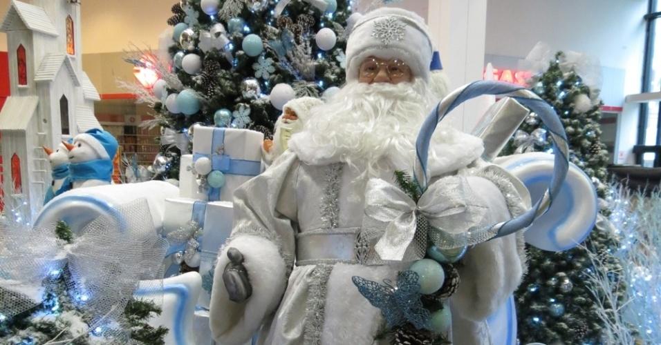 decoracao arvore de natal azul:Shoppings de SP já apresentam decoração especial de Natal; veja
