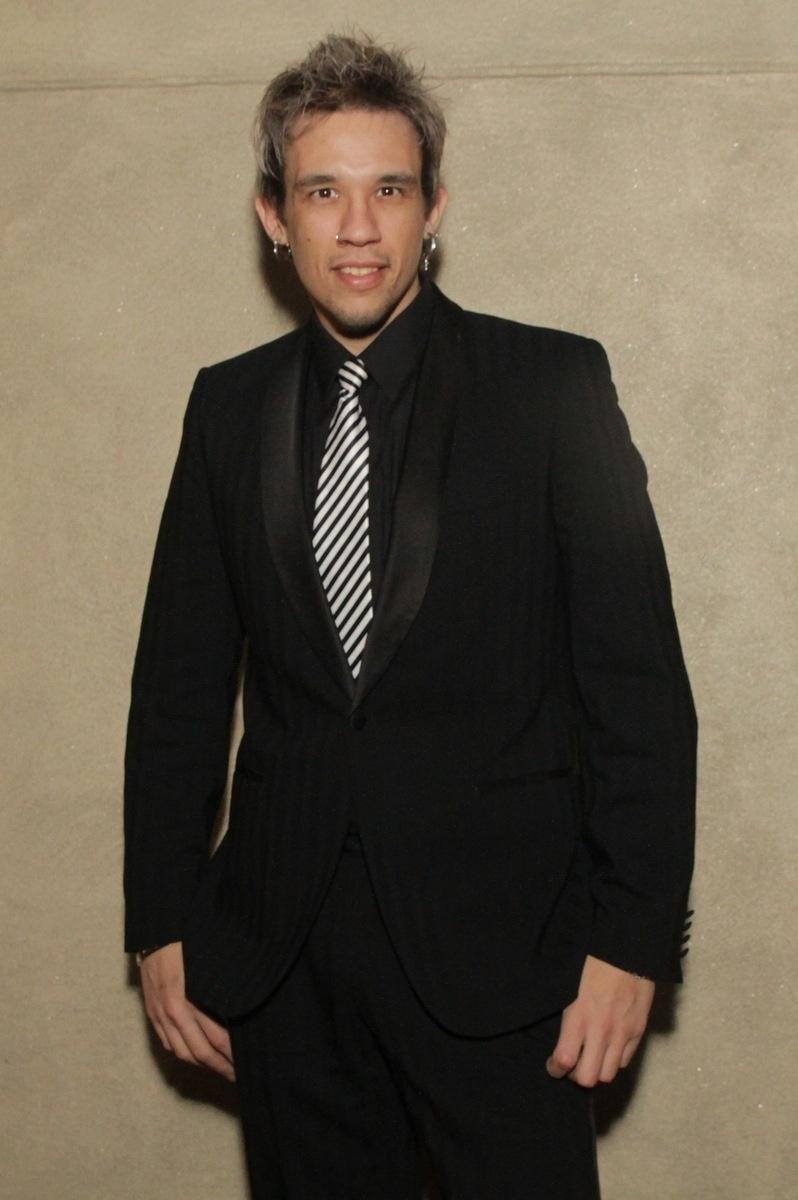 21.nov.2014 - O músico Kiko, do grupo KLB, foi ao casamento de Rodrigo Scarpa e Gabi Baptista