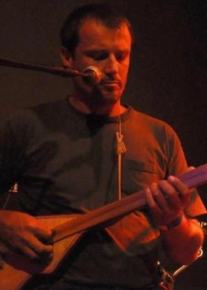 O músico, Luciano Leindecker, da banda Cidadão Quem