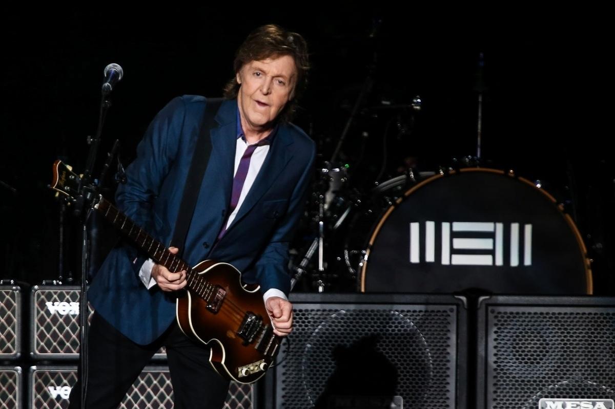 25.nov.2014 - O cantor Paul McCartney se apresenta no Allianz Parque, em São Paulo, com a turnê