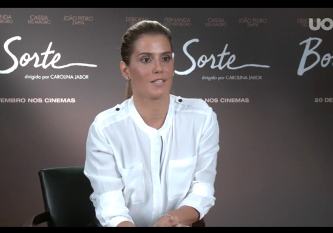 Deborah Secco tem assistido a pré-estreia de