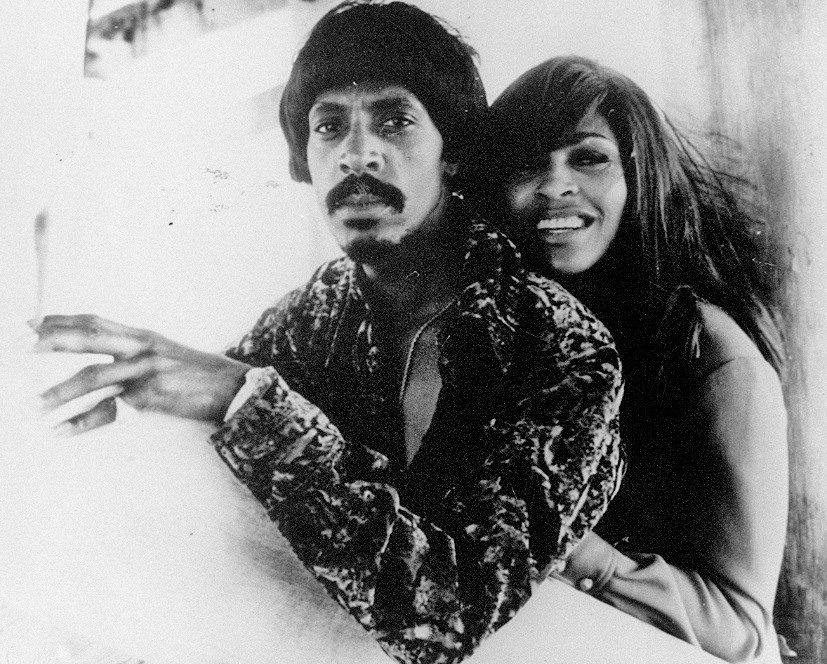 Tina junto com o ex-marido Ike Turner, no final dos anos 50, quando a dupla começou a fazer sucesso