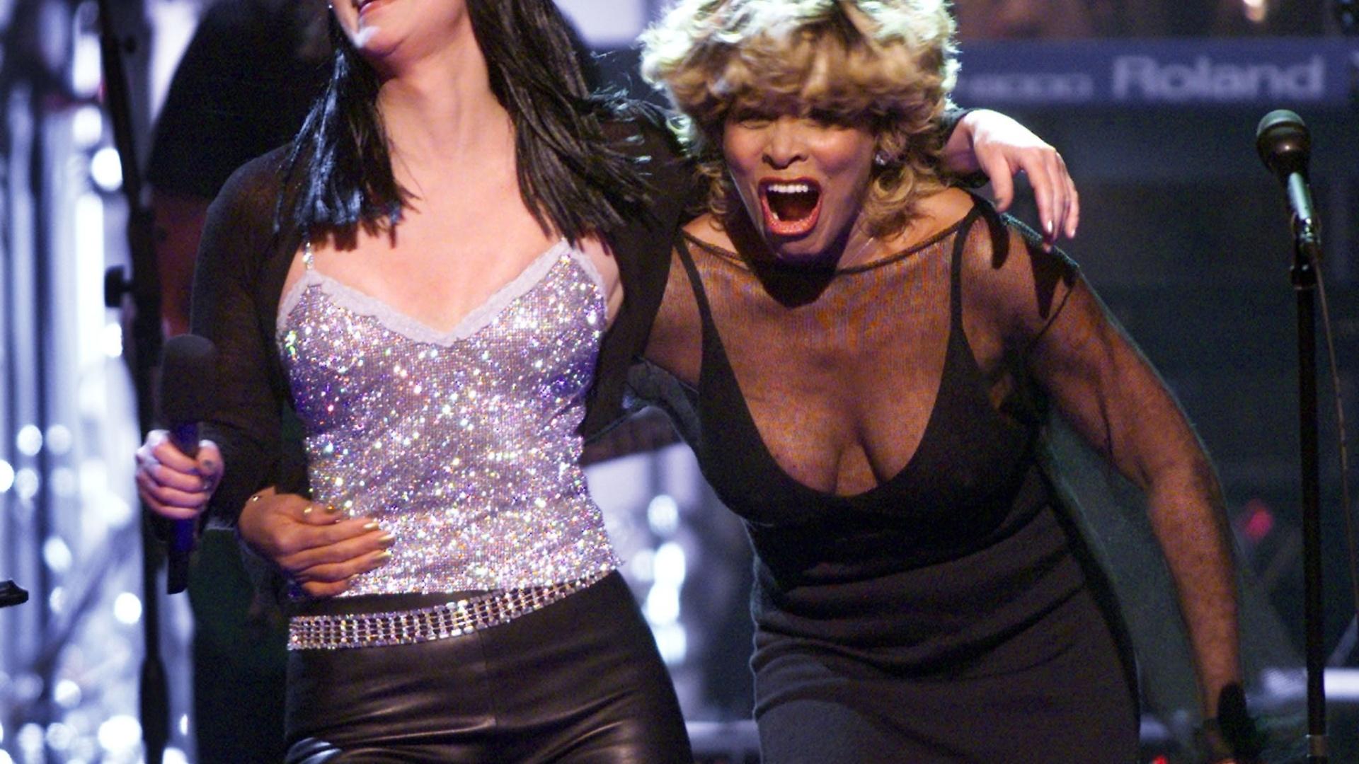 Tina Turner se apresenta junto com Cher no showTina Turner Bruised Face