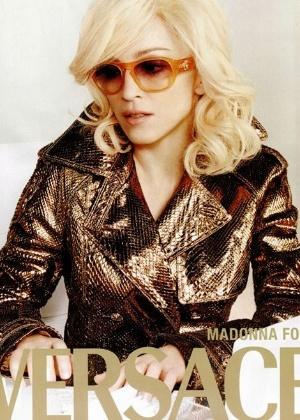 Madonna em campanha antiga para Versace