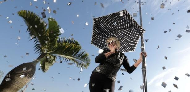 Ana Maria Braga participou do novo vídeo de Ana Carolina