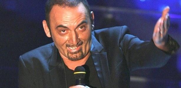 O cantor Giuseppe Mango, que morreu na noite deste domingo (7) em um show na Itália