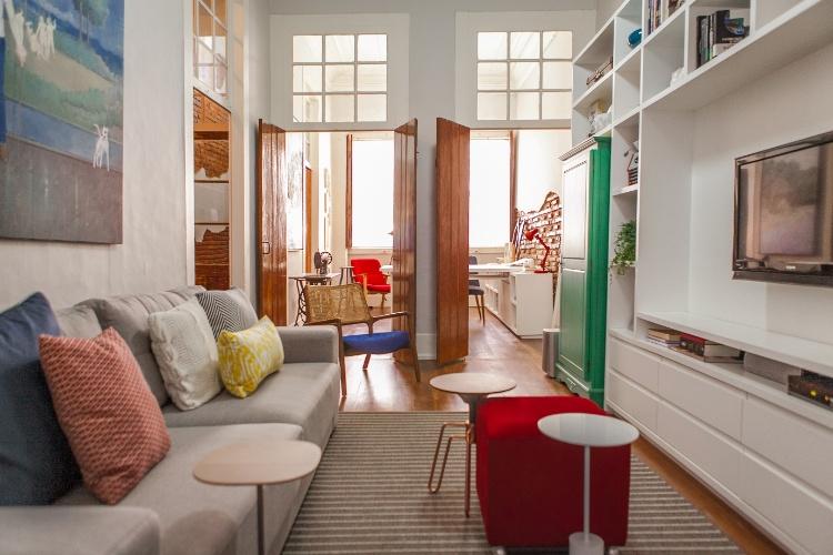 decoracao de interiores sobrados pequenos:nas-esquadrias-ao-longo-de-dias-uma-espessa-sobreposicao-de-camadas-de