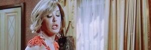 Samantha se aproveita de Caíque e quase rouba beijo em