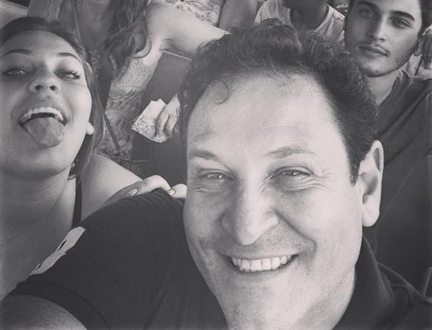 15.dez.2014 - O apresentador Luis Ricardo publica foto no Instagram e anuncia que está de alta após seis dias internado
