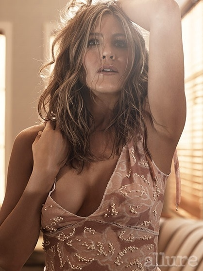 Jennifer Aniston posa para a revista