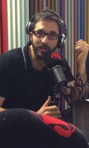 17.dez.2014- O apresentado Rafinha Bastos comenta polêmica com a cantora Wanessa em entrevista ao