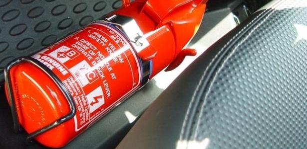 Donos de carros produzidos a partir de 2005 devem checar a validade do equipamento