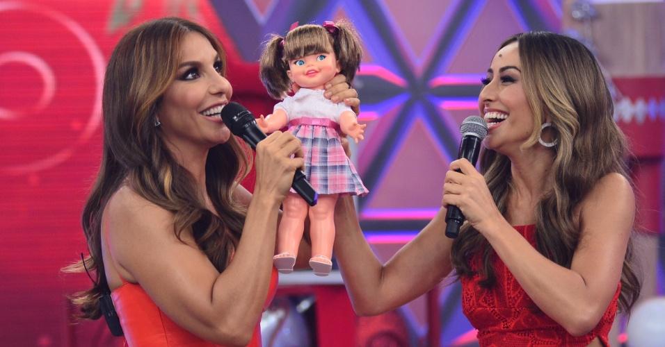 Ivete Sangalo ganhou uma boneca em gravação do