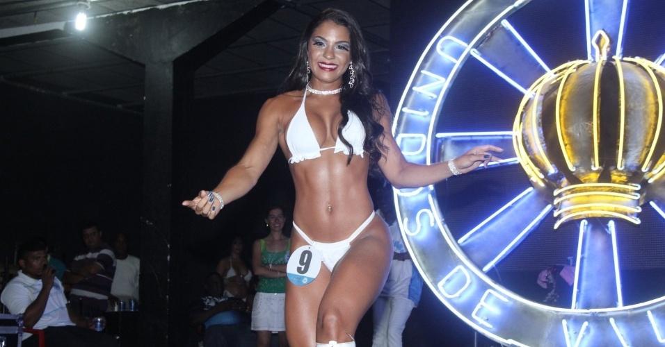 10.jan.2015 - Nos últimos ensaios antes do Carnaval, a Vila Isabel promoveu concurso para escolher a nova musa da escola