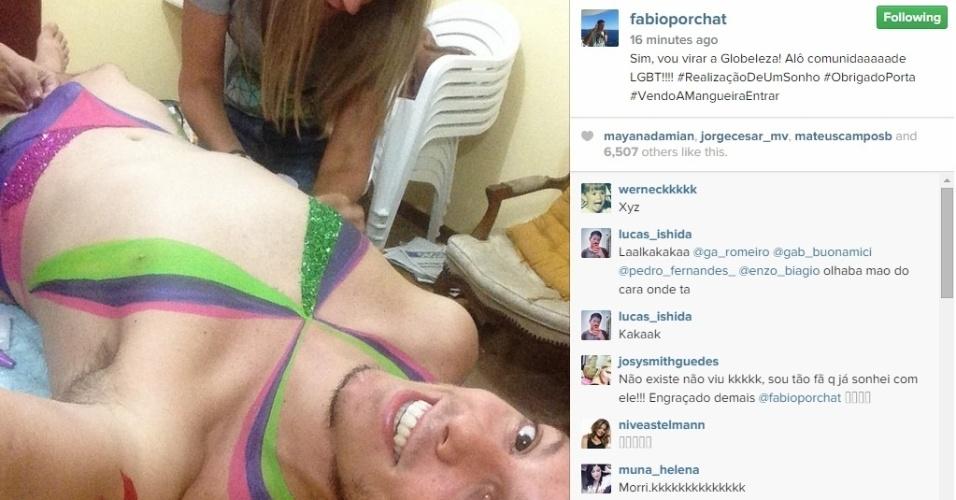 15.jan.2015 - Fábio Porchat surpreendeu seus seguidores do Instagram ao aparecer sendo caracterizado como Globeleza, na tarde desta quinta-feira. O ator contou que está passando pela transformação para um quadro do