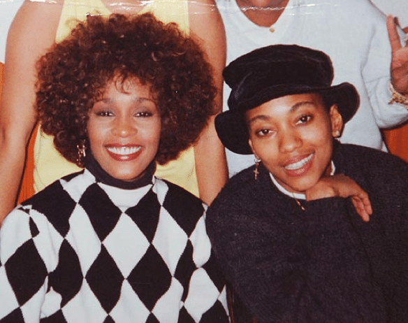 Whitney Houston e sua assistente Robin Crawford
