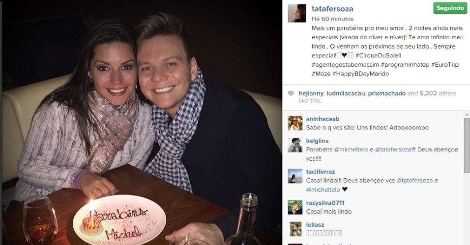 21.jan.2015 - Michel Teló e Thais Fersoza comemoraram o aniversário do cantor em um jantar romântico em Londres, na Inglaterra, nesta quarta-feira. Thais publicou uma foto do momento do parabéns