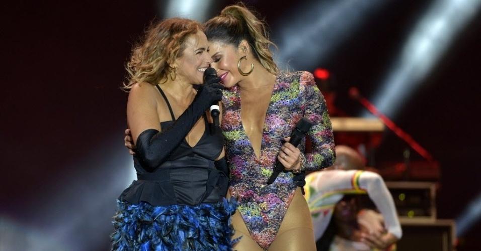 22.jan.2015 - Claudia Leitte se apresenta no Festival de Verão 2015, em Salvador, na noite desta quinta-feira