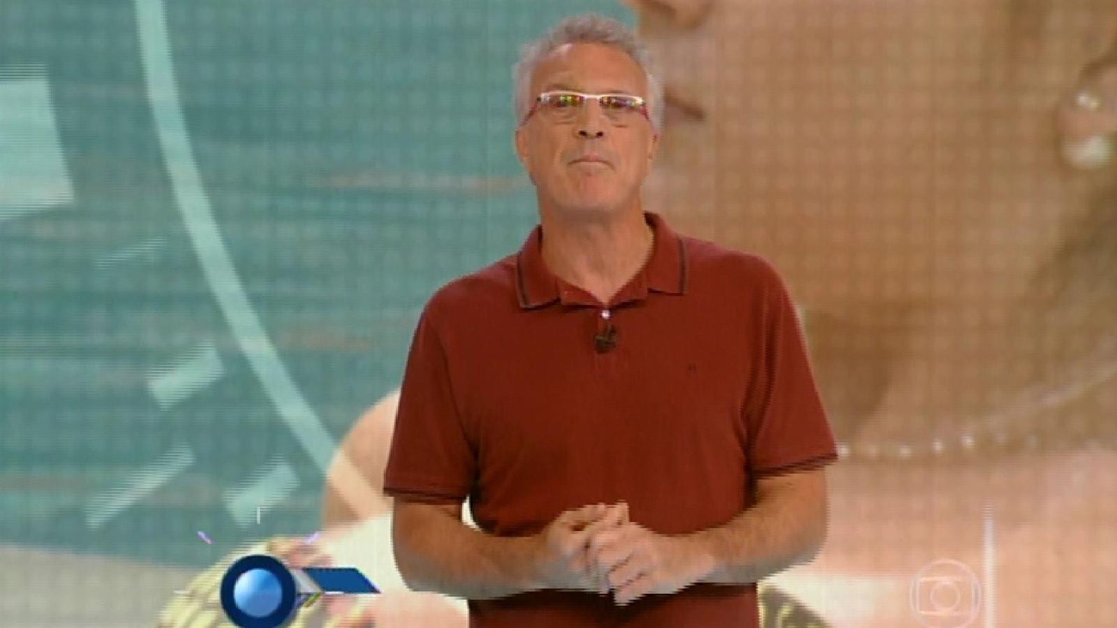 25.jan.2015 - O apresentador Pedro Bial inicia programa