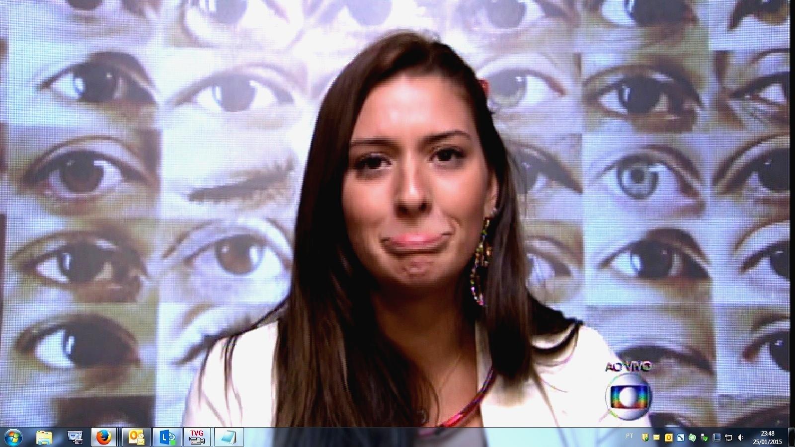 25.jan.2015 - Tamires fez uma carinha triste após falar o motivo de não ter conversado com a sister