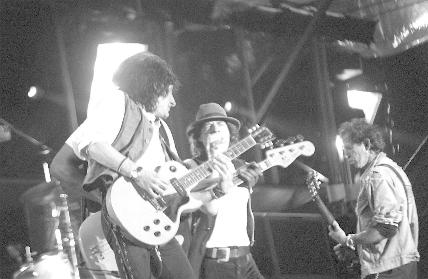 27.jan.1995 - Da esq. para a dir., Ronnie Wood, Mick Jagger e Keith Richards, durante o primeiro show dos Rolling Stones no Brasil