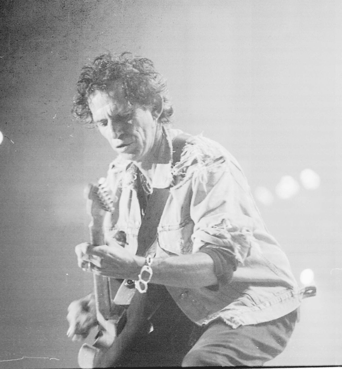 28.jan.1995 - O guitarrista Keith Richards durante o segundo show dos Rolling Stones no estádio do Pacaembu