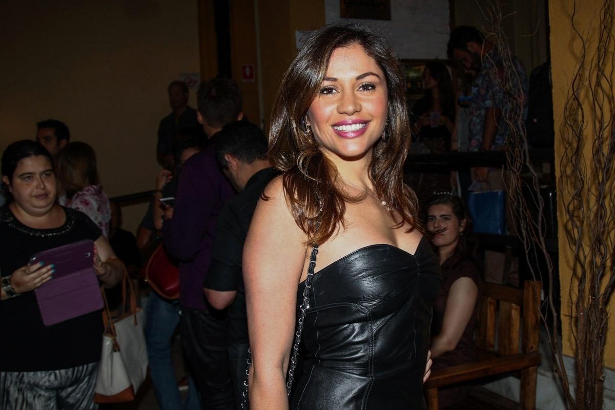 26.jan.2015 - Maria Melilo foi prestigiar a estreia do espetáculo