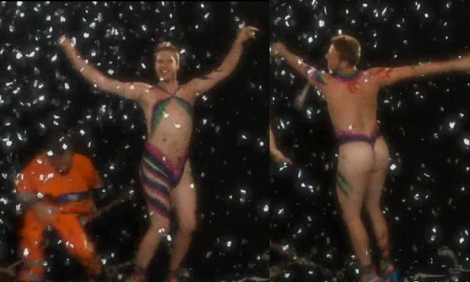 De Globeleza, Fábio Porchat aparece nu e com o corpo pintado em vídeo do canal Fox para divulgar o