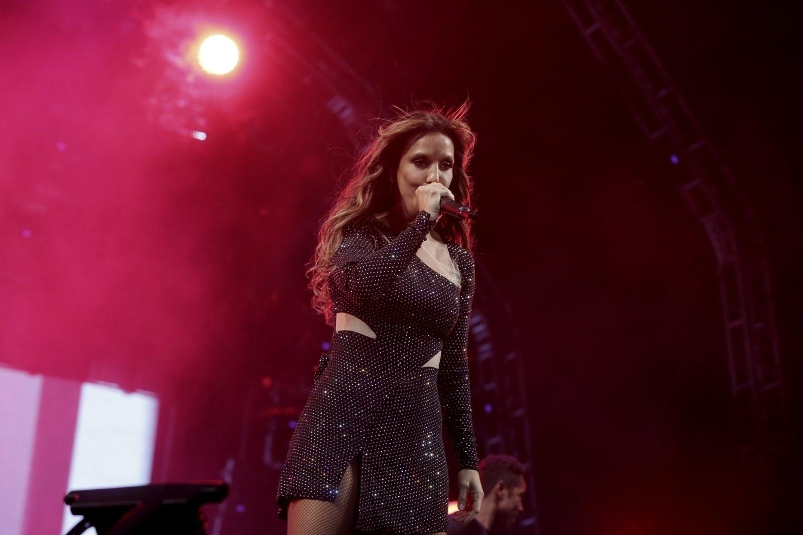 30.jan.2015 - Ivete Sangalo agita os fãs no Festival Planeta Atlântida, em Xangri-lá, no litoral norte do Rio Grande do Sul, na noite desta sexta-feira