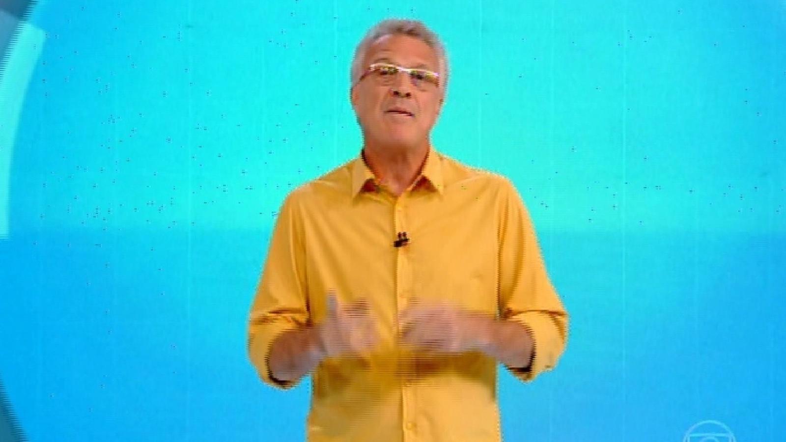 1.fev.2015 - O apresentador Pedro Bial anuncia início de programa com formação do segundo paredão do