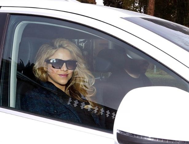 Shakira deixa o hospital ao lado de Pique após dar à luz Sasha, em Barcelona, Espanha
