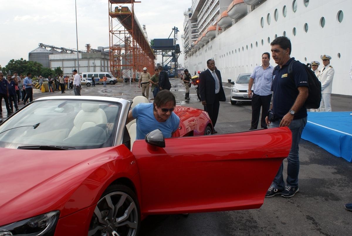 04.fev.2015 - Durante o cruzeiro, além do show do rei, o público também poderá assistir a um show do Tom Cavalcante