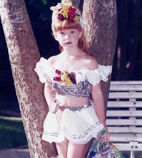 6.fev.2015 - A atriz Marina Ruy Barbosa divulgou no Instagram foto de infância em que aparece fantasiada para o Carnaval