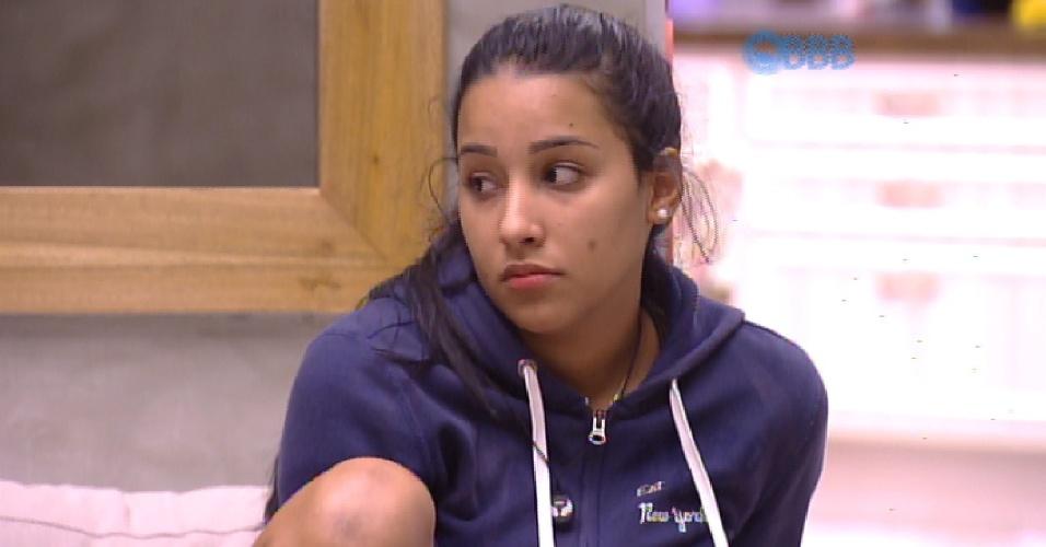 fev.2015 - Talita ganha o colar do anjo e castiga Mariza e Marco. O ...