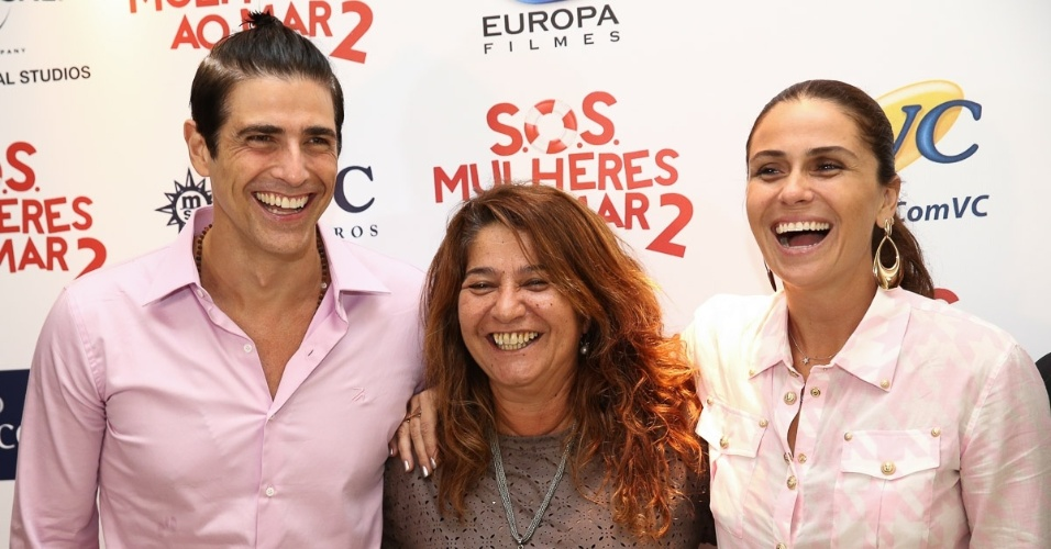 """9.fev.2015 - Reynaldo Gianecchini, a diretora Cris D?Amato e Giovanna Antonelli durante lançamento de """"S.O.S. - Mulheres ao Mar 2"""""""