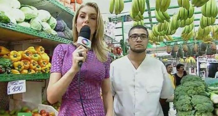 11.fev.2015 - Ana Hickmann durante reportagem no mercado