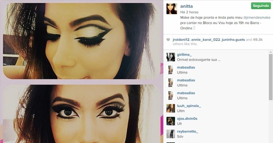 12.fev.2015 - Com uma maquiagem super produzida, Anitta se prepara para estreiar no carnaval de Salvador. A cantora vai animar pela primeira vez o público da cidade baiana no circuito Barra-Ondina