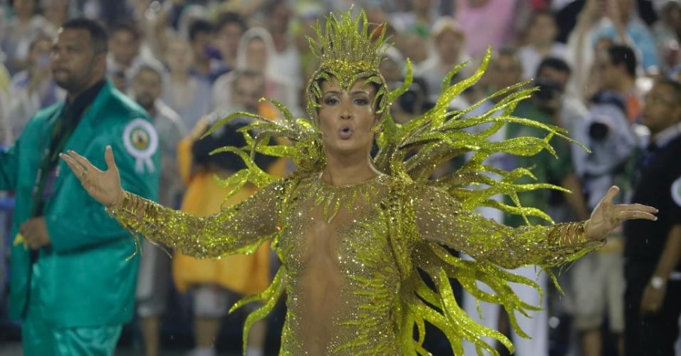 15.fev.2015 - Claudia Leitte desfila na Mocidade Independente de Padre Miguel