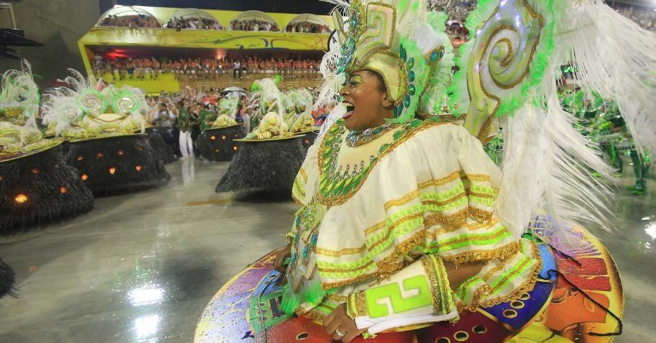 16.fev.20015 - Ala das baianas da escola que levou o samba-enredos