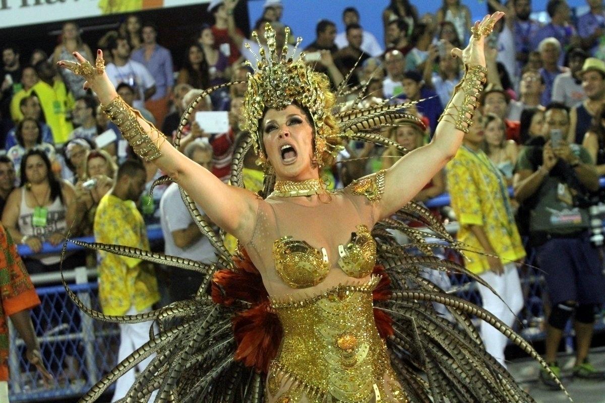 Fantasia de Claudia Raia passa por transformação durante o desfile da Beija-Flor
