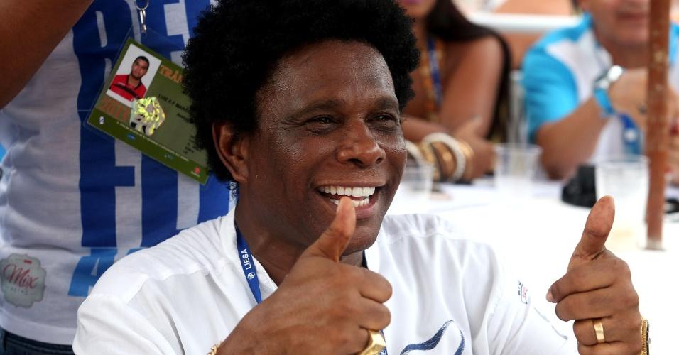 18.fev.2015 - Neguinho da Beija-Flor compareceu ao sambódromo do Rio de Janeiro para acompanhar a apuração do Carnaval de 2015