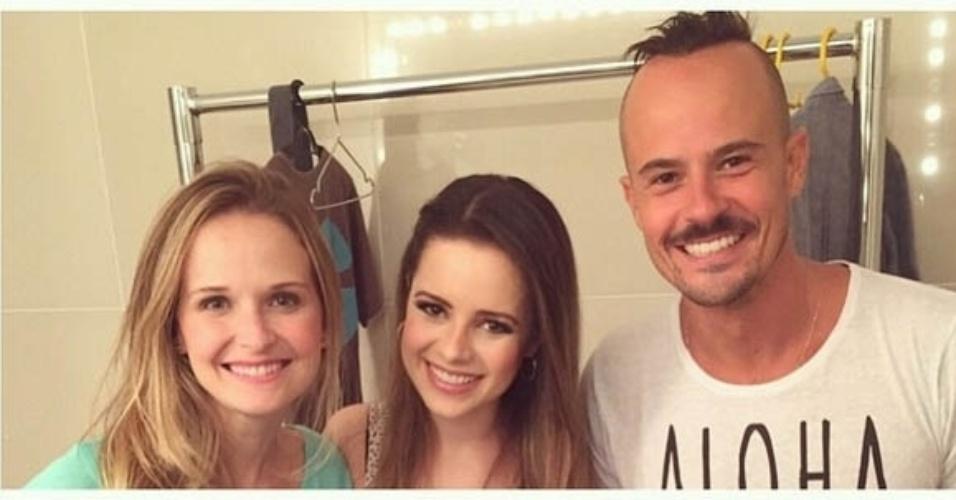 22.fev.2015- Sandy prestigia peça de teatro do ex-namorado Paulo Vilhena e amiga Fernanda Rodrigues: