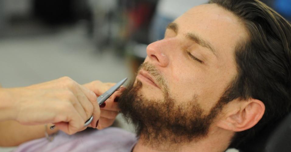 """O ator Petrônio Gontijo interpretará Arão,  irmão de Moises na novela bíblica """"Os Dez Mandamentos"""", da Record"""