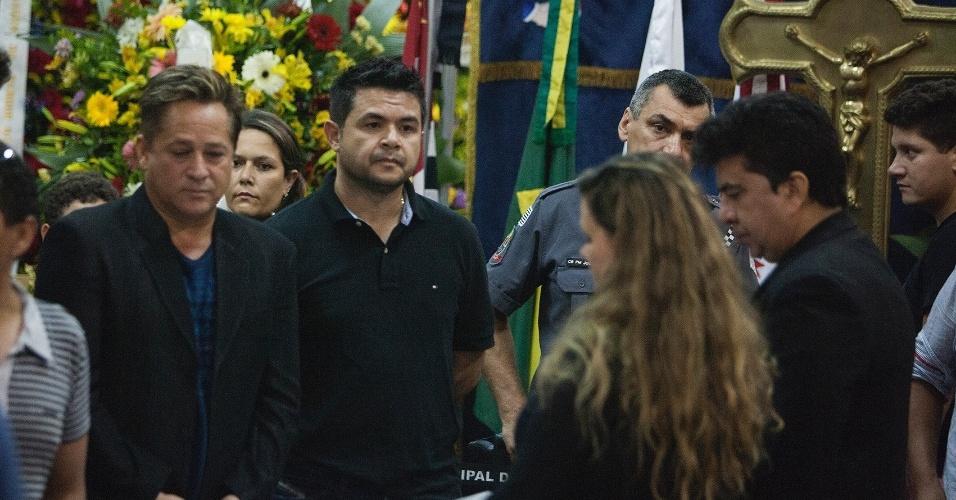 4.mar.2015 - O cantor Leonardo esteve no velório do cantor José Alves dos Santos, conhecido como José Rico, na Câmara Municipal de Americana (SP)