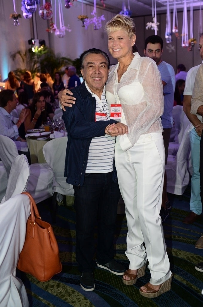 07.mar.2015 - Xuxa e o cartunista Mauricio de Sousa