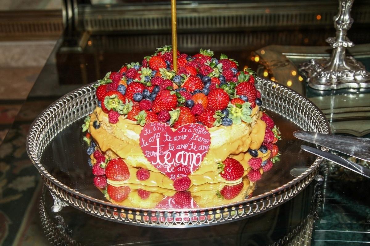 07.mar.2014 - Detalhe do bolo de aniversário